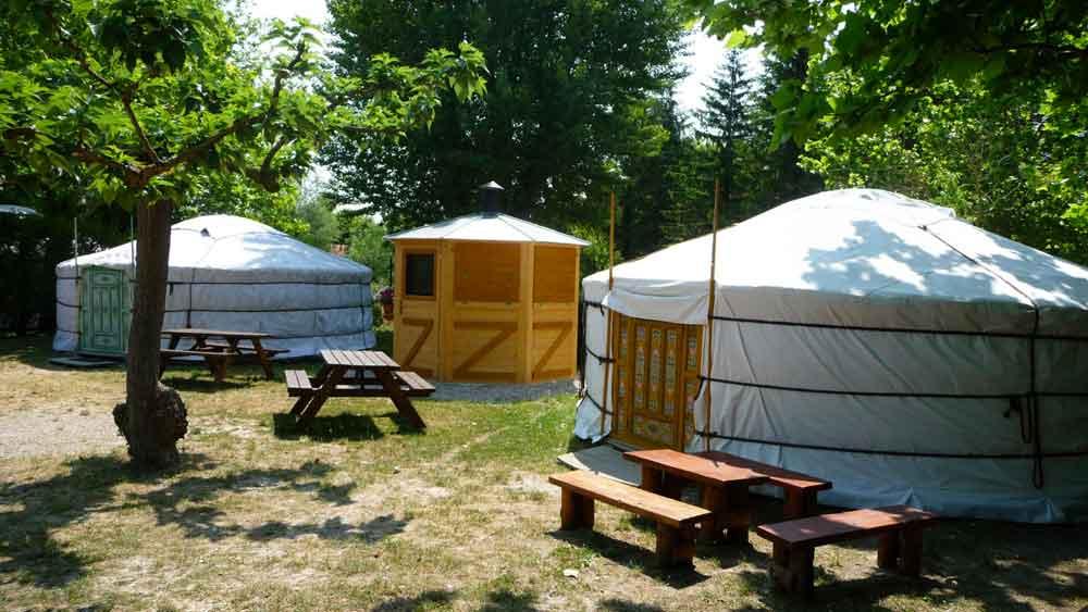 camping avec hébergements insolites
