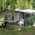 Une ambiance calme et nature au camping les catalpas