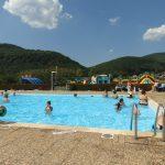 piscine exterieur dans un camping 3 etoiles en alsace